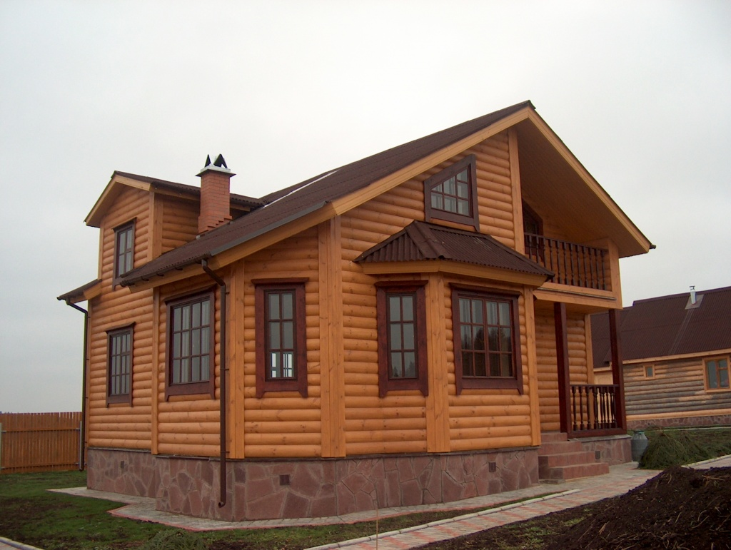 Дом из блок-хауса
